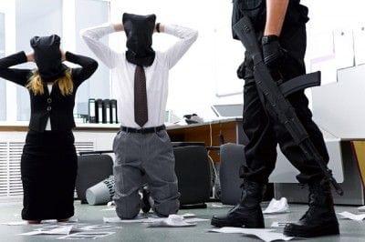 精神医学でストックホルム症候群という言葉がある。これは実際に起きた銀行... 不倫する女性の本当