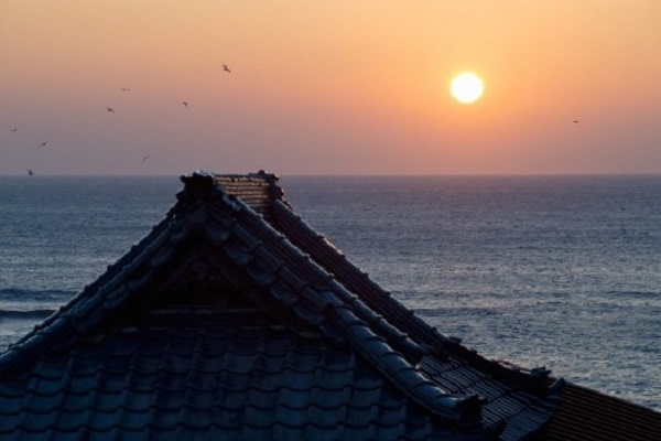 太平洋を眼下に望む正榮山・妙海寺