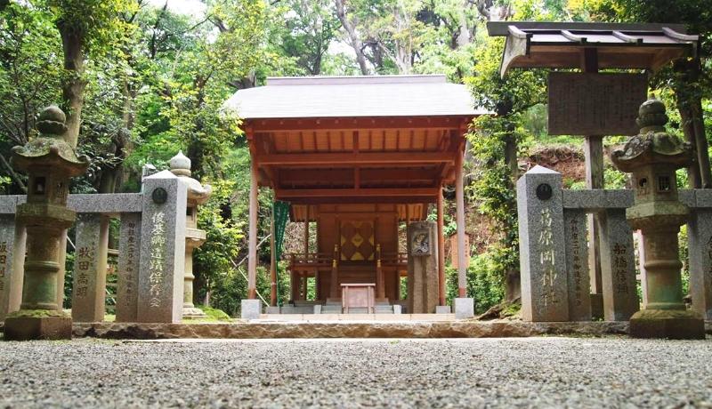葛原岡神社の境内