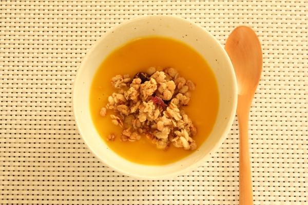 おいしくて冷え予防にも最適! 寒い季節はグラノーラをホットで食べてみませんか?