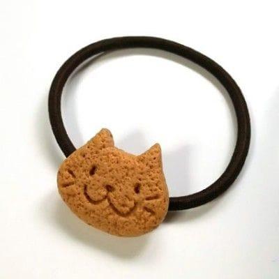 手作りクッキーのようなおいしい見た目がかわいい 「クッキーヘアゴム ねこさんA」