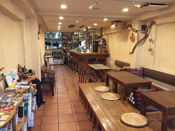 Cafe&Bar Smile Earth店内
