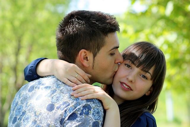 couple-1363971_640
