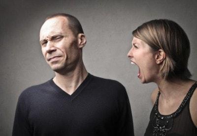 男子が「この女怖い…」と思う女性は「すぐ怒る」or「すぐ泣く」どっち?