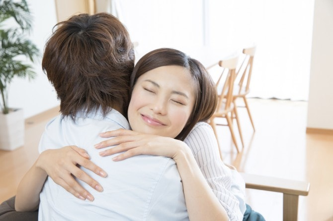 働く女性の恋愛と幸せな人生のガイド コレが効果的! 夫婦のスキンシップ・6つ