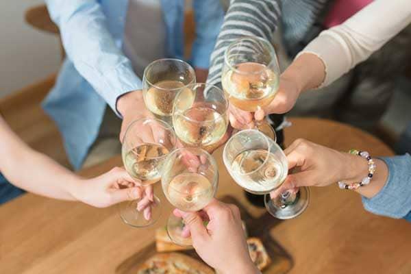 婚活パーティーで乾杯