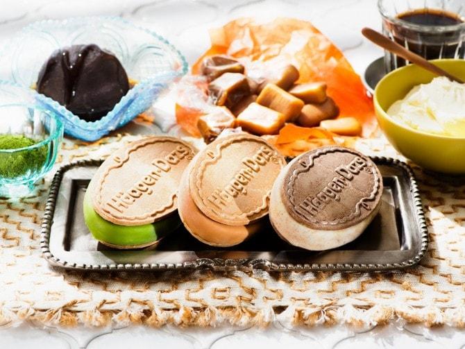 (写真左から)「抹茶クリームあずき」、「キャラメルクラシック」、「エスプレッソマキアート~マスカルポーネ仕立て~」。